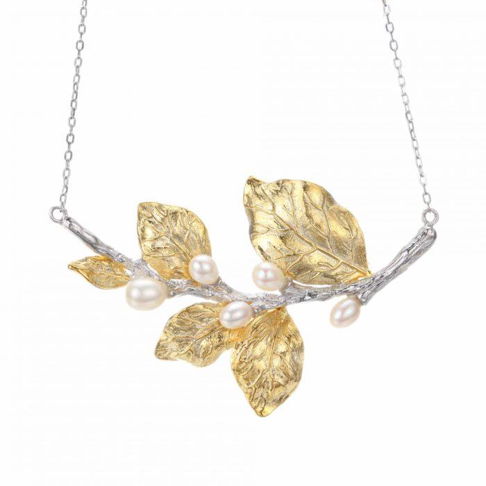 A.Brask - Vitt blomma-halsband - sötvattenspärla